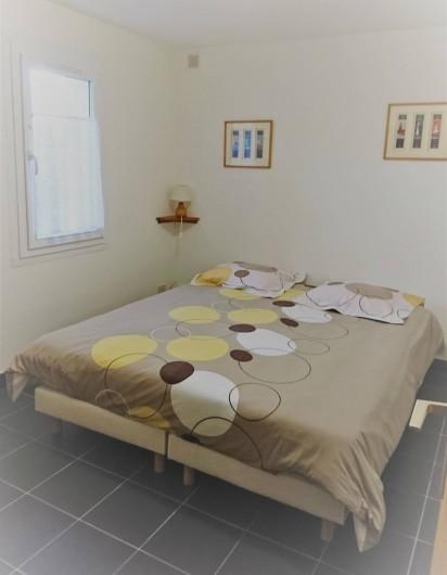 Location de vacances - Gîte à Ouessant - Chambre en rez de chaussée couchage 160x200