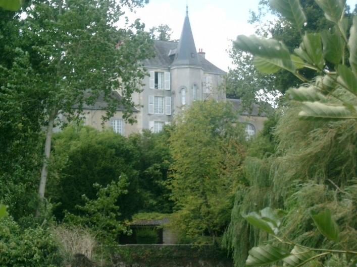 Location de vacances - Chambre d'hôtes à Juillé - Manoir côté rivière