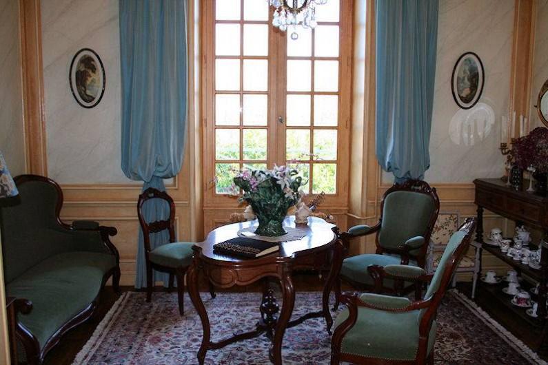 Location de vacances - Chambre d'hôtes à Juillé - salon petits déjeuners