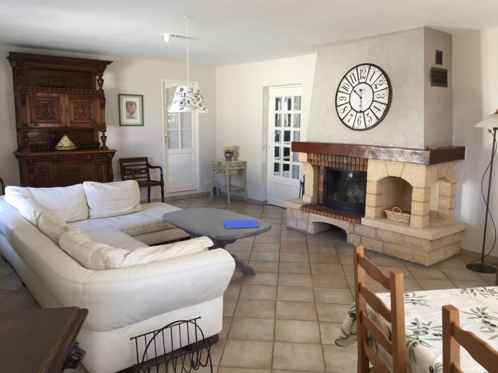 Location de vacances - Maison - Villa à Allemagne-en-Provence - salle à manger et salon