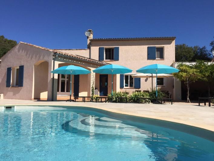 Location de vacances - Maison - Villa à Allemagne-en-Provence - piscine et terrasse