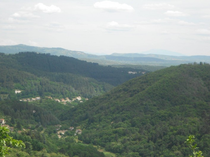 Location de vacances - Gîte à Vals-les-Bains - La vue sur la citée thermale de Vals les Bains
