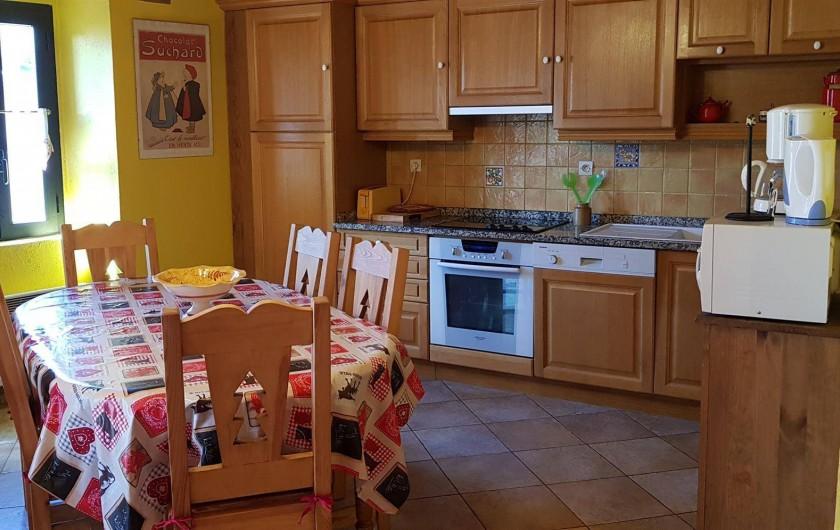 Location de vacances - Gîte à Formiguères - Salle à Manger + cuisine ouverte