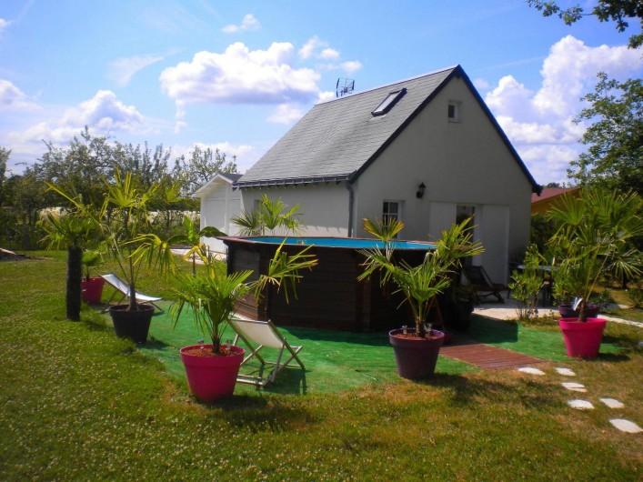 Location de vacances - Gîte à Saint-Michel-sur-Loire - Vue de l'extérieur de la maisonnette