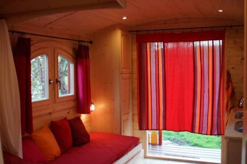 Location de vacances - Roulotte à Matour - Le salon