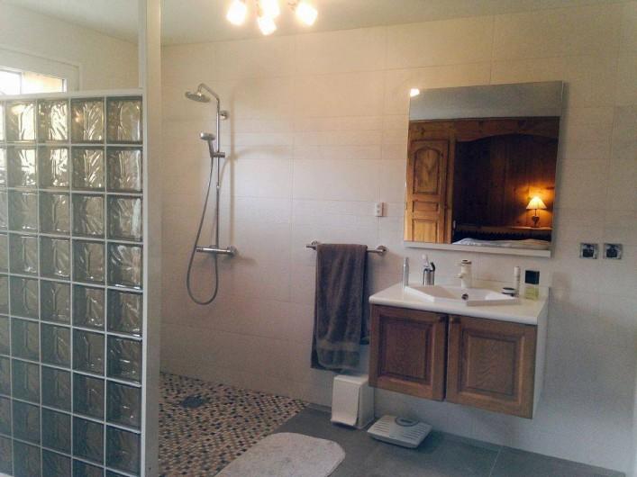 Location de vacances - Chalet à Tignes - Salle d'eau Chambre 1