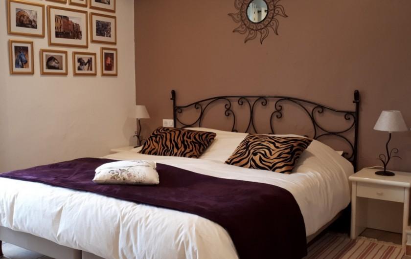 Location de vacances - Villa à Seillans - La chambre provençale au rez de jardin