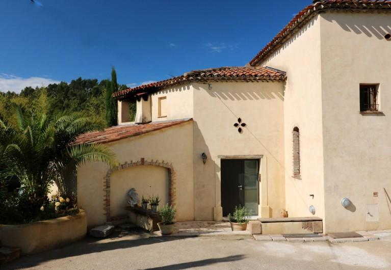 Location de vacances - Villa à Seillans - L'entrée de la bastide