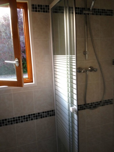 Location de vacances - Chambre d'hôtes à Poses - Salle de douche.