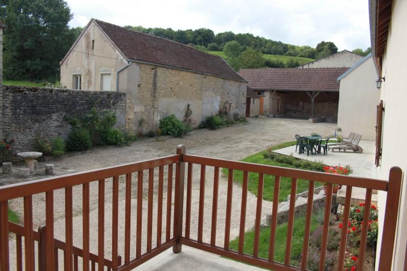 Location de vacances - Gîte à Courcelles-lès-Montbard - Petite terrasse
