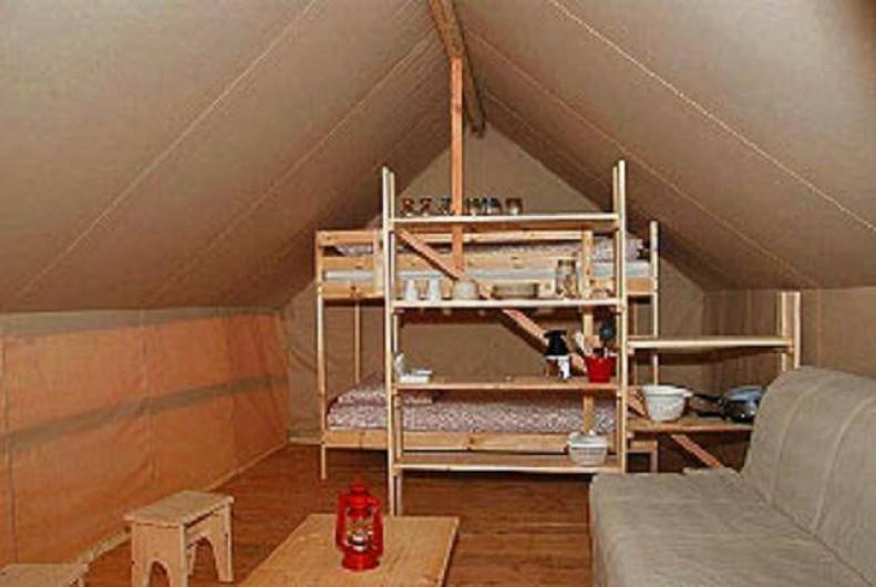 Location de vacances - Tipi à Saint-Vincent-en-Bresse - vous trouverez un espace spacieux, même pour une petite famille !