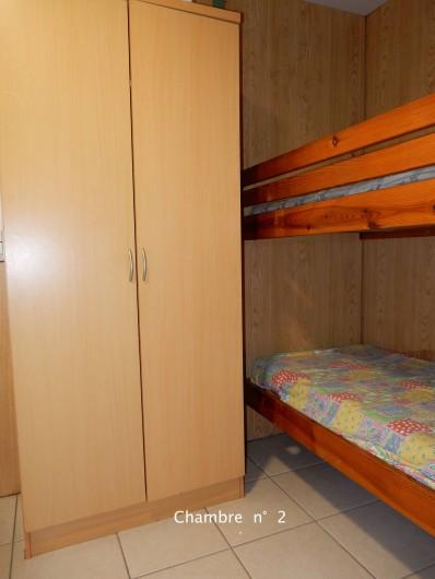 Location de vacances - Bungalow - Mobilhome à Le Carbet - Lits superposés chambre2