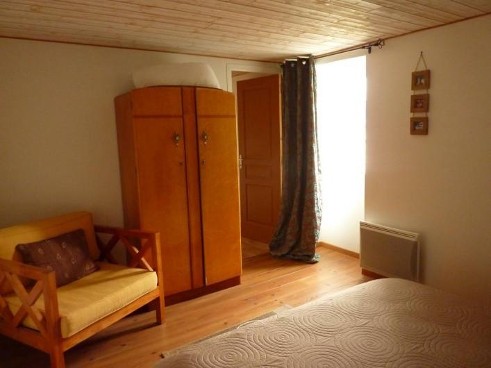 Location de vacances - Gîte à Cancale - Chambre n° 1 côté fenêtre