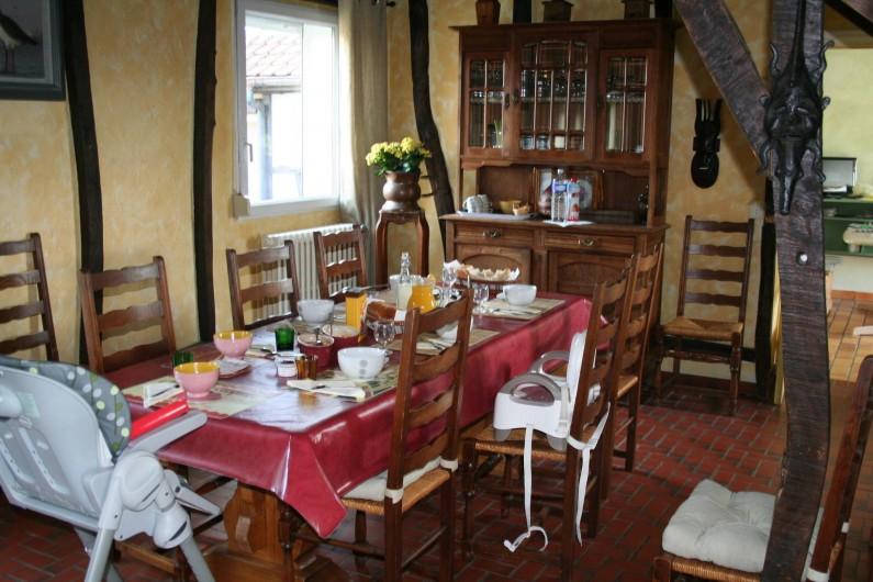 Location de vacances - Chambre d'hôtes à Ochancourt - salle a manger  pour les petits déjeunes en famille