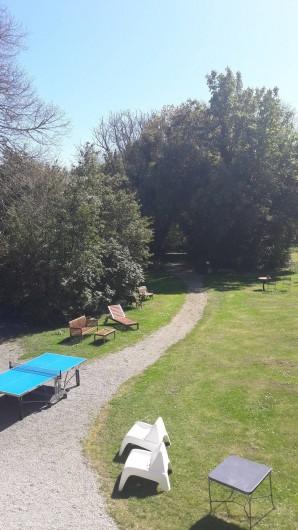 Location de vacances - Château - Manoir à Loctudy - parc, ping pong,barnum,tables et chaises extérieures