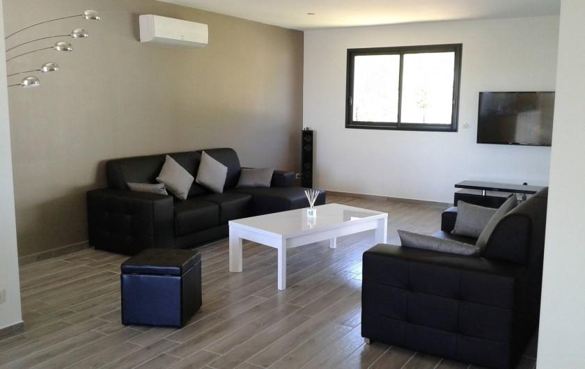 Location de vacances - Villa à Sainte-Lucie de Porto-Vecchio - Salon