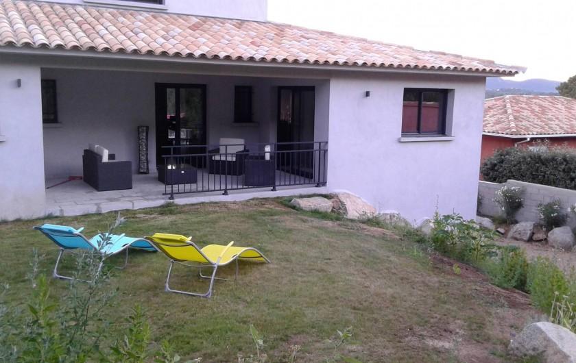 Location de vacances - Villa à Sainte-Lucie de Porto-Vecchio - Terrasse Arrière vue sur Maquis