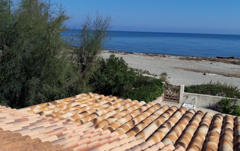 Location de vacances - Villa à Folelli - vue de l'étage, la plage en hiver