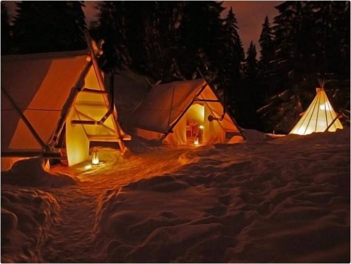 Location de vacances - Tipi à Mont-Saxonnex - Ambiance nocturne sur le camp Altipik