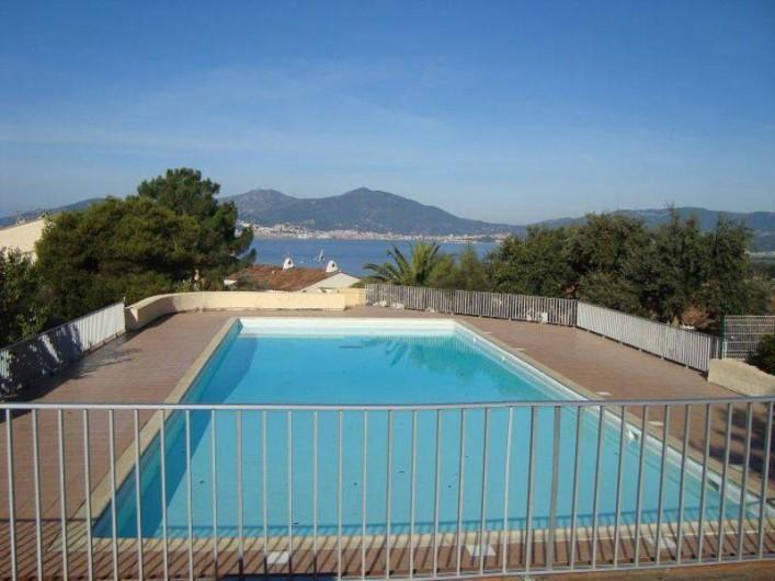 Location de vacances - Maison - Villa à Ajaccio - Piscine réservé au résidents