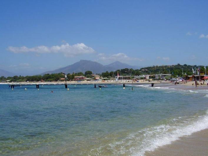 Location de vacances - Maison - Villa à Ajaccio - Plage de Porticcio à 800 de la maison