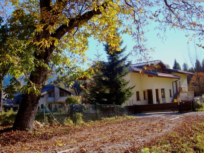 Location de vacances - Appartement à Pozzale - la maison en autumne