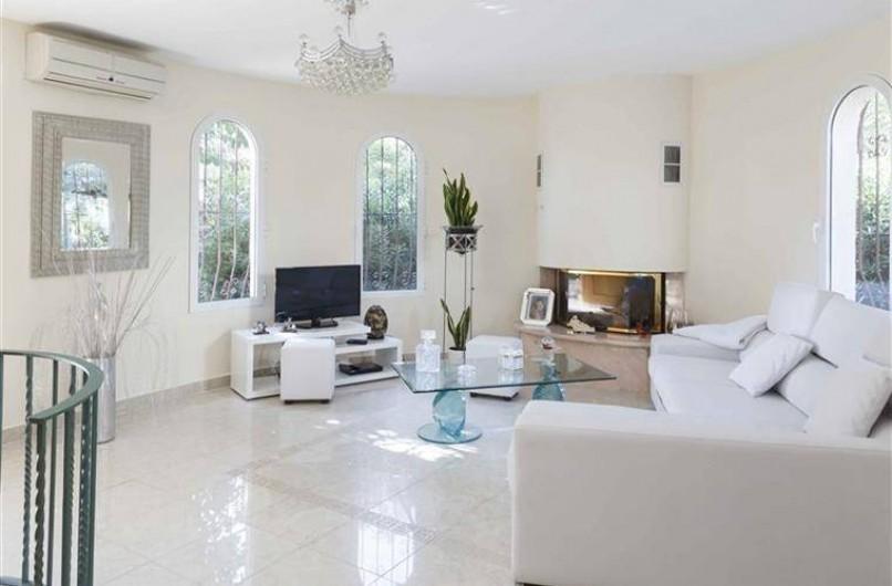 Location de vacances - Villa à Gandia - salon coin tv