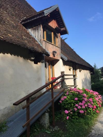 Location de vacances - Appartement à Thorens-Glières - L'entrée du loft, C'est très calme, mes locataires ont beaucoup apprécié.
