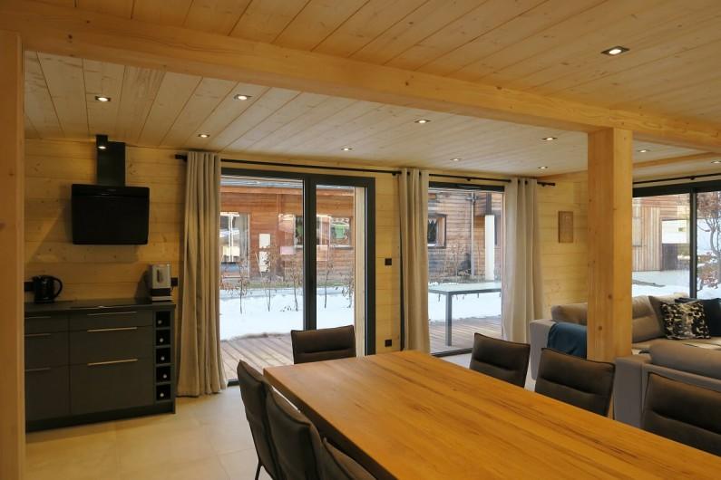 Location de vacances - Appartement à Les Gets - Espace salle à manger - Table 10 personnes