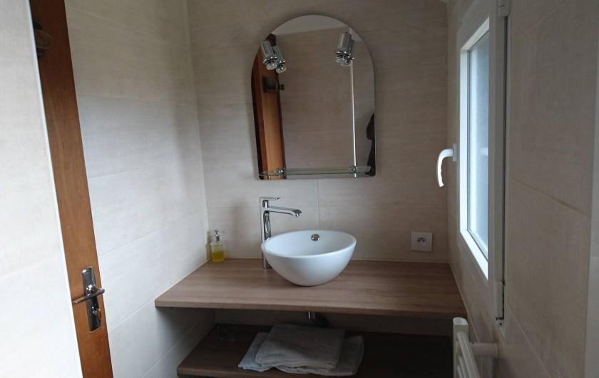 """Location de vacances - Gîte à Louannec - Gîte """"Ormel"""" : Salle d'eau avec douche"""