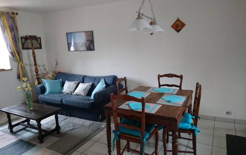 """Location de vacances - Gîte à Louannec - Gîte """"Ormel"""" : Salle à Manger & Salon"""