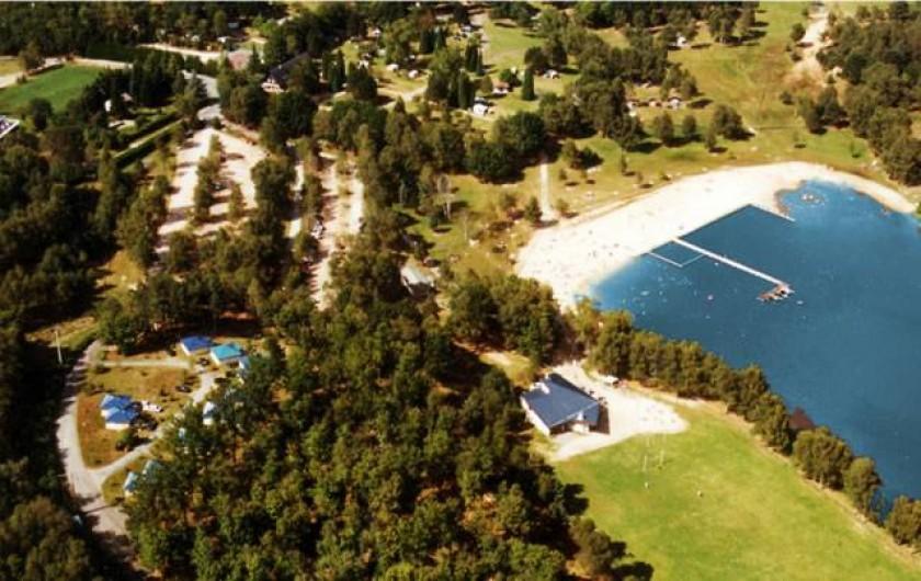 Location de vacances - Bungalow - Mobilhome à Beynat - Camping pas cher, bord de lac, au cœur de la nature.