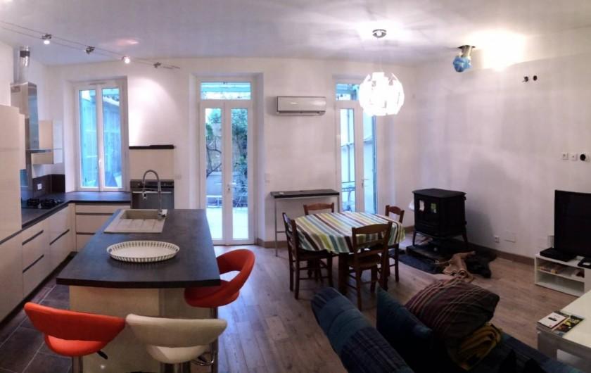 Location de vacances - Appartement à Marseille - Pièce principale de 36m2, avec cuisine équipée