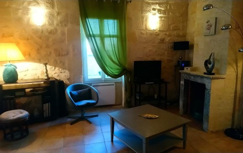 Location de vacances - Gîte à Bourg sur Gironde - Vue du coin salon