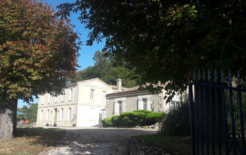 Location de vacances - Gîte à Bourg sur Gironde - Vue d'ensemble !