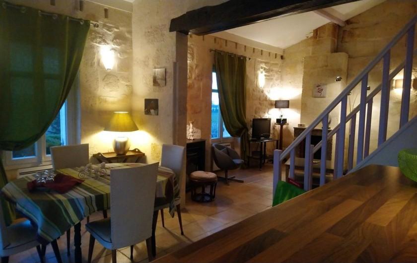 Location de vacances - Gîte à Bourg sur Gironde - Vue d'ensemble du RDC du pavillon