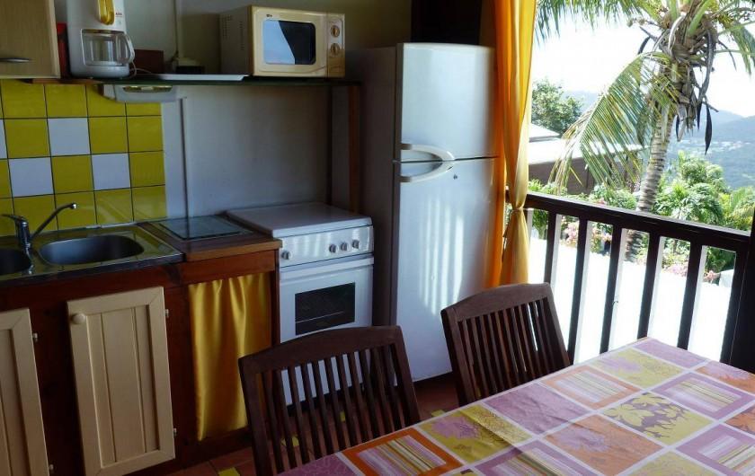 Location de vacances - Appartement à Deshaies - cuisine  équipée (4 pers)