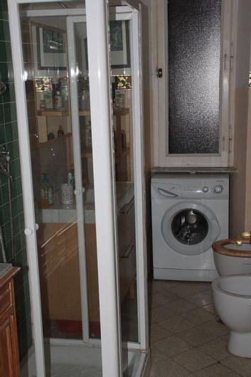 Location de vacances - Appartement à Santa Marinella - salle de bain