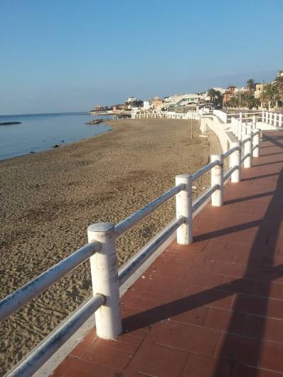 Location de vacances - Appartement à Santa Marinella - la terrasse sur la mére et la plage