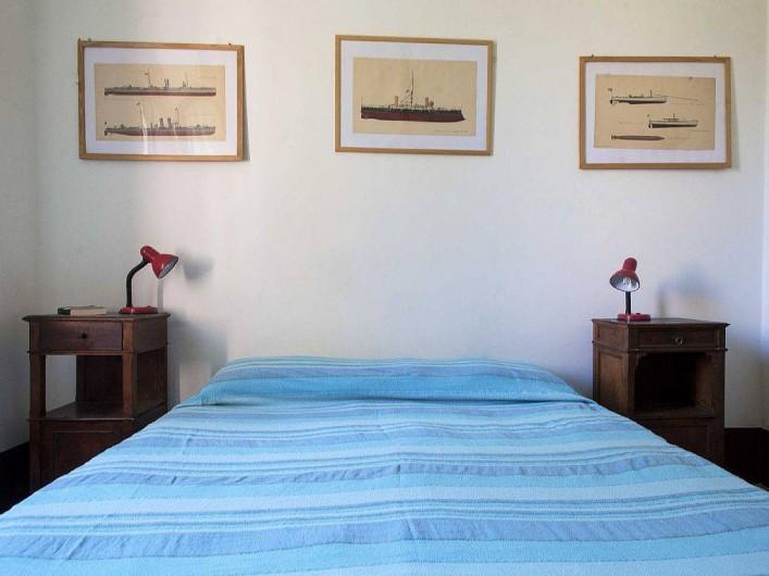 Location de vacances - Appartement à Santa Marinella - .....un grand lit