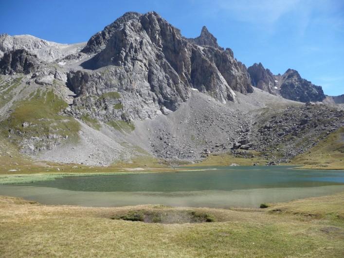 Location de vacances - Gîte à Valmeinier - Le lac des Cerces : 1h30 aller