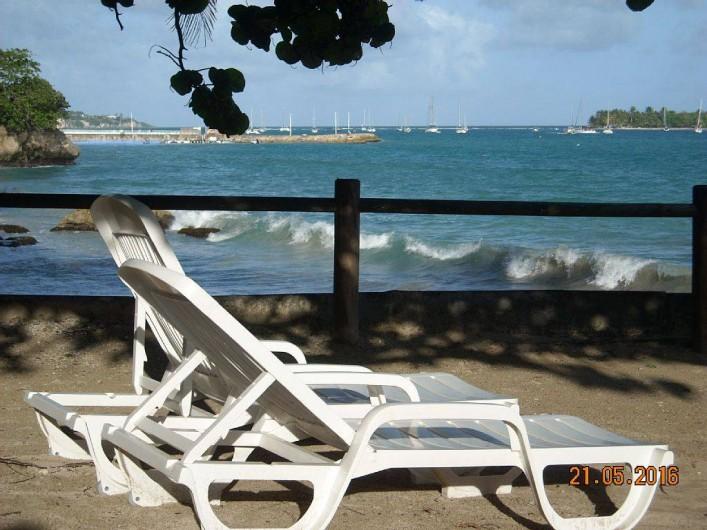 Location de vacances - Studio à Le Gosier - Douceur de vivre dans un cadre exceptionnel, votre balcon privé sur la mer