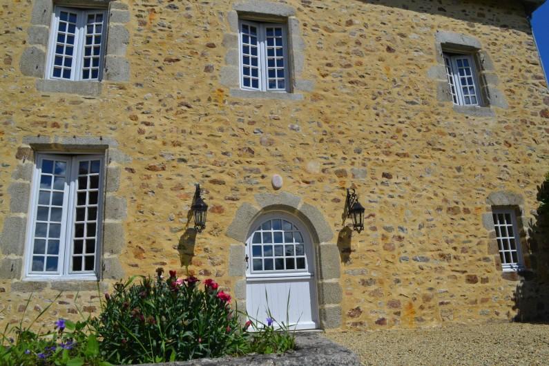 Location de vacances - Gîte à La Baconnière - Façade sud