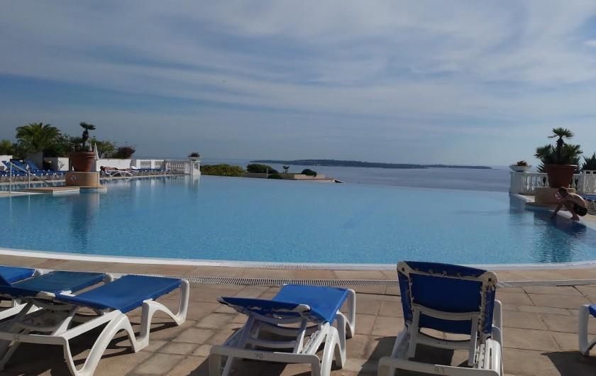 Location de vacances - Appartement à Cannes - Le matin c'est bien !...