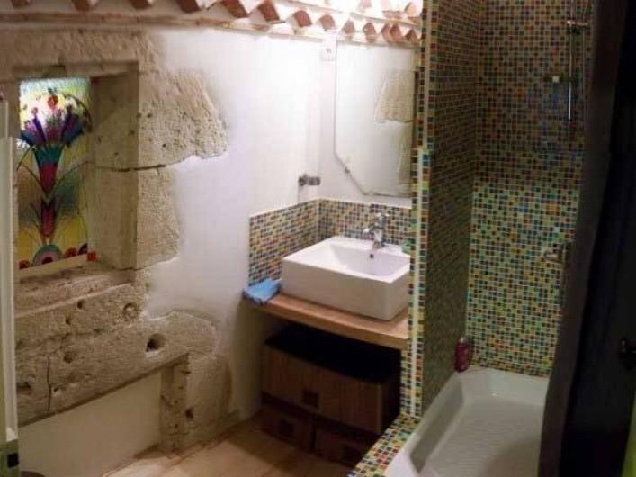Location de vacances - Maison - Villa à Castéra-Verduzan - la salle d'eau des enfants
