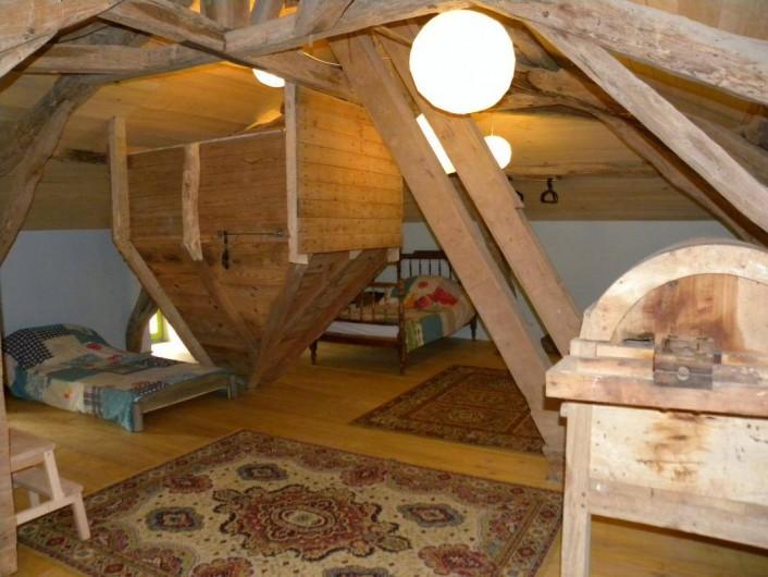 Location de vacances - Maison - Villa à Castéra-Verduzan - le grenier, dortoir de enfants