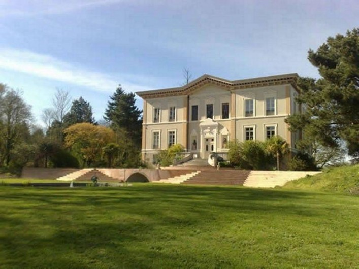 Location de vacances - Chambre d'hôtes à Sixt-sur-Aff - Le château