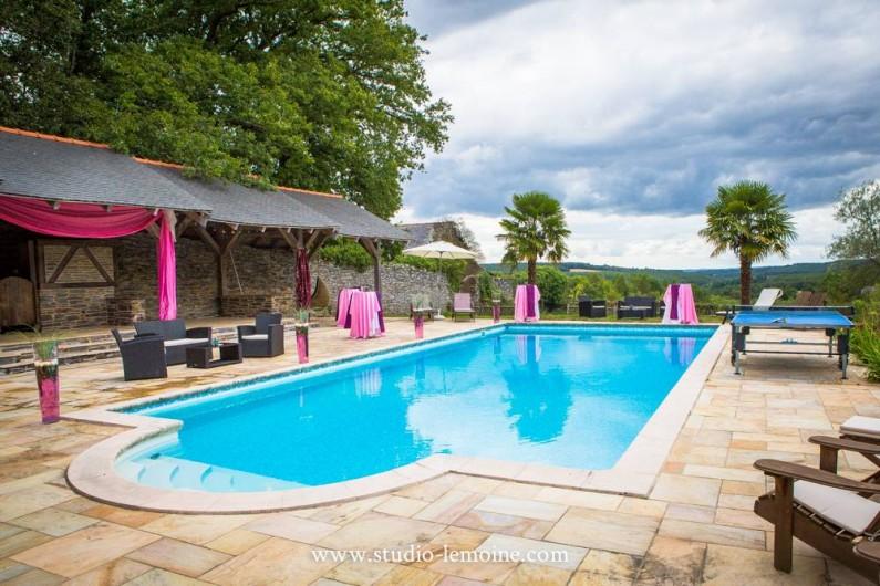 Location de vacances - Chambre d'hôtes à Sixt-sur-Aff - La piscine du Château