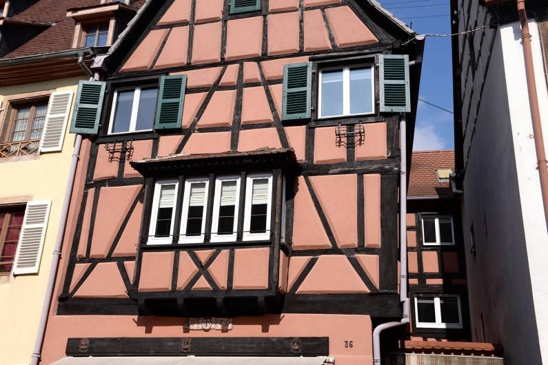 Location de vacances - Appartement à Eguisheim - le gite géranium se trouve au deuxième étage