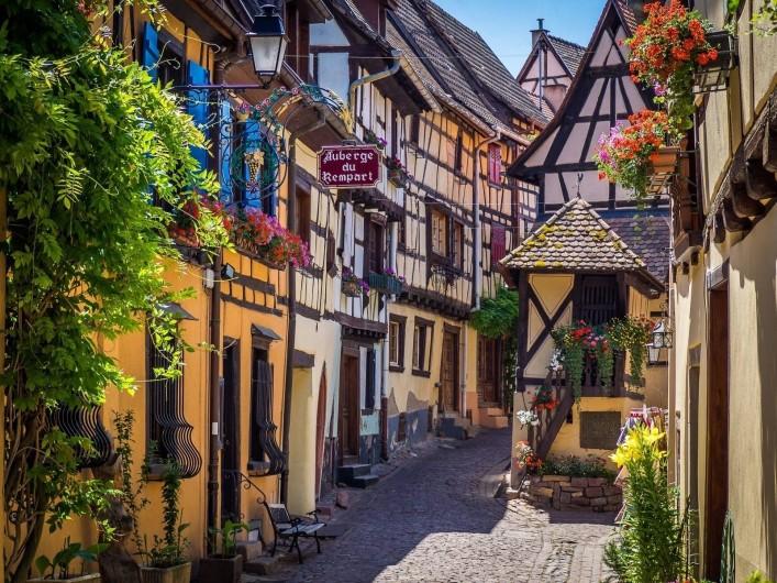Location de vacances - Appartement à Eguisheim - la rue du rempart à Eguisheim